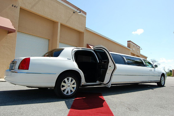 8 Person Lincoln Stretch Limo Mesa